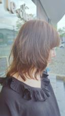 柔らかな動きをつけて自然な感じに仕上げたナチュラルスタイルです。 hair le chene1/2所属・喜多一彰のスタイル
