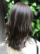 マットヴェール✨ 赤味のある方にオススメのヘアカラーです(^^) MichioNozawaHairSalonGinza所属・モリケイタのスタイル