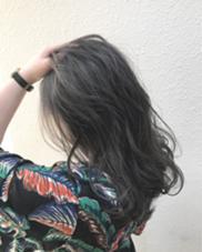 ハイトーンからの暗髪カラー✨ 柔らかいブルージュが最高に可愛いです  実際にご来店いただいたお客様です‼️ takumi.店長・美容師歴11年のヘアカラーカタログ