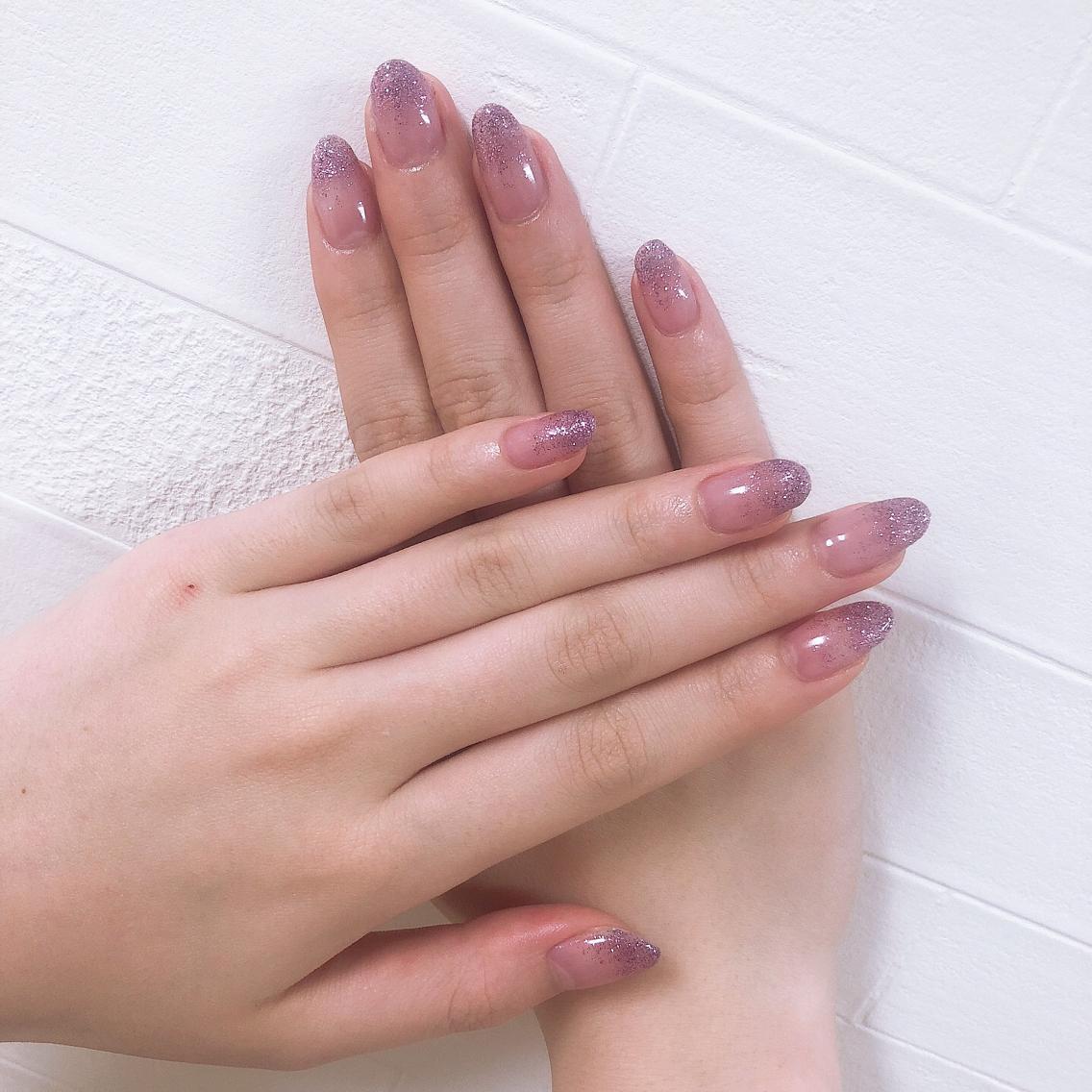 #ネイル 💓ラメグラデーション💓 ピンクのラメがキラキラしてて、お手元が輝きます✨