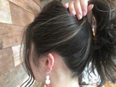 【 イルミナカラー × ハイライト 】  アップにしたときの ハイライト と毛先の 透け感 も最高だね ♪  高江秀聡のヘアスタイル・ヘアカタログ