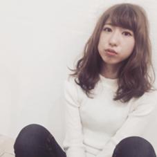 軽めレイヤー × ゆる巻き ❤︎ HAIR&MAKE    J-GENIC所属・柏木奈那子のスタイル