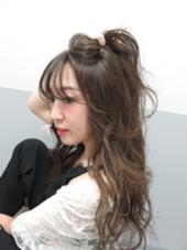 WHITE HOUSE所属・平真美子のスタイル