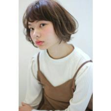外はねを混ぜたかわいいショートボブ BAMBINI所属・門井康太のスタイル