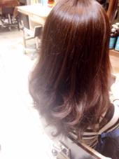 ピンクベージュの巻き髪です。試したいお色などありましたらお気軽にご相談下さい! LIBERTY-H所属・保坂唯のスタイル