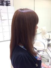 プラチナカラーでツヤ髪に✨ 江口葵のスタイル