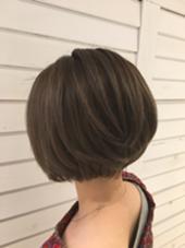 アッシュ+ベージュ あまりくすませすぎない透明感ある色です。  SELECT hair 高田馬場店所属・髙橋由樹のスタイル
