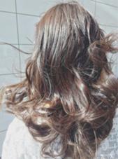 透明感のあるエアリーなカラーリング。 アッシュをベースとした今春のトレンドカラーです! Dahlia【ダリア】所属・三木甲太のスタイル