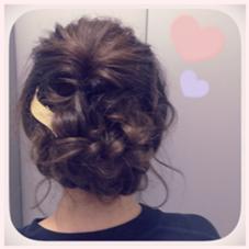 女子会あれんじ♡  くるりんぱ+ねじねじだけの簡単あれんじ。 結婚式やちょっとしたお食事会に☆ やや残しの後れ毛がポイントです ! 小野澤優香のスタイル