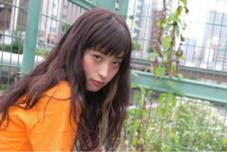 ロングヘアの中にインナーカラーを! ありきたりなヘアにならない自分だけのポイントカラーを(^^)  BANDE所属・濱田亮太のスタイル