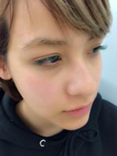 パステルグリーン×グリーン 目尻に向かって濃く♡ 個性的でかわいい目元に HACO所属・コジマカナのフォト
