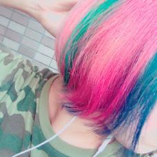 インナーカラーに虹色を入れ、表面はダーククレーに! Hair Salon Cocoa所属・KyoElyseのスタイル