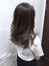 外人風カラー、グラデーション、グレージュ ルシェリア所属・尾形尚道のスタイル