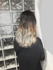 Wカラーにてグラデーションカラーを作りました! 髪質やカラーの状態に応じて、お薬を変えてご希望のお色味を作らせていただきます。  2017年2月より、アディクシーカラーでスタイルチェンジをされたい方にオススメしています! ALBA  HAIR RESORT所属・山口哲平のスタイル