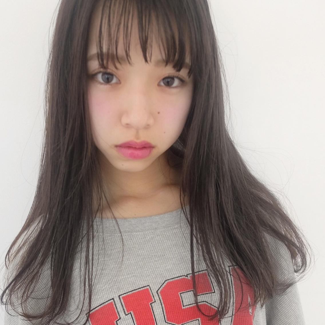 かわいいクリアグレージュ☆ カットは、透け感、束感のでる毛先と