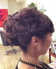 ゆるっと大人シニヨン cham cello Hair 所属・アライユウコのスタイル