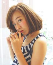 ツヤツヤミディアム☆ 透明感のあるカラーを+。 最近はストレートパーマでもこのくらいツヤでます! Cura (クーラ)所属・森正臣のスタイル