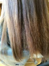 ジュネス酸性ストレートの施術途中です!  右がアイロンをする前、左がアイロンをした後です!! どんなに傷んだ毛でも、ダメージを与えずにしっかり綺麗に伸ばしていきます! ing's hair(イングスヘアー)所属・日谷真奈美のスタイル