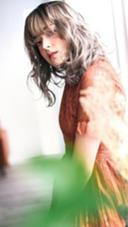 〜グレージュカラー〜 32ミリのコテでミックス巻きして 柔らかいワックスを付けたパーマ風スタイル★ センター南 アース所属・畑中雄貴のスタイル