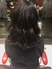 ハイライトでプラチナアッシュにしました⭐︎ 職場で明るくはできないけど変化がほしい方にオススメです☝︎ EARTH札幌駅前店所属・奈良玲生のスタイル