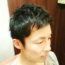 前髪は軽く上がるくらいにして爽やかさを出しました! 束感を出やすいようにスキを入れたのでワックスをつけるだけで簡単にセットできます! 今回はカットのみでしたがパーマをするとより動きのあるスタイルになります! 銀座マツナガエドグラン店所属・斉藤滉生のスタイル
