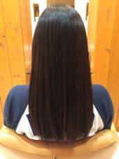 縮毛矯正でしっかりと伸ばし、ツヤのある髪の毛の完成です! 井上友哉のスタイル