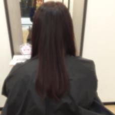 ミセスの方でリッチカラーしたおかげで 髪がつやつやになりました❤︎ カットもうちに入りやすいようにさせて頂きました(>_<) ブロー仕上げでこのツヤです❤︎❤︎❤︎ グランソレイユ所属・耳塚里奈のスタイル