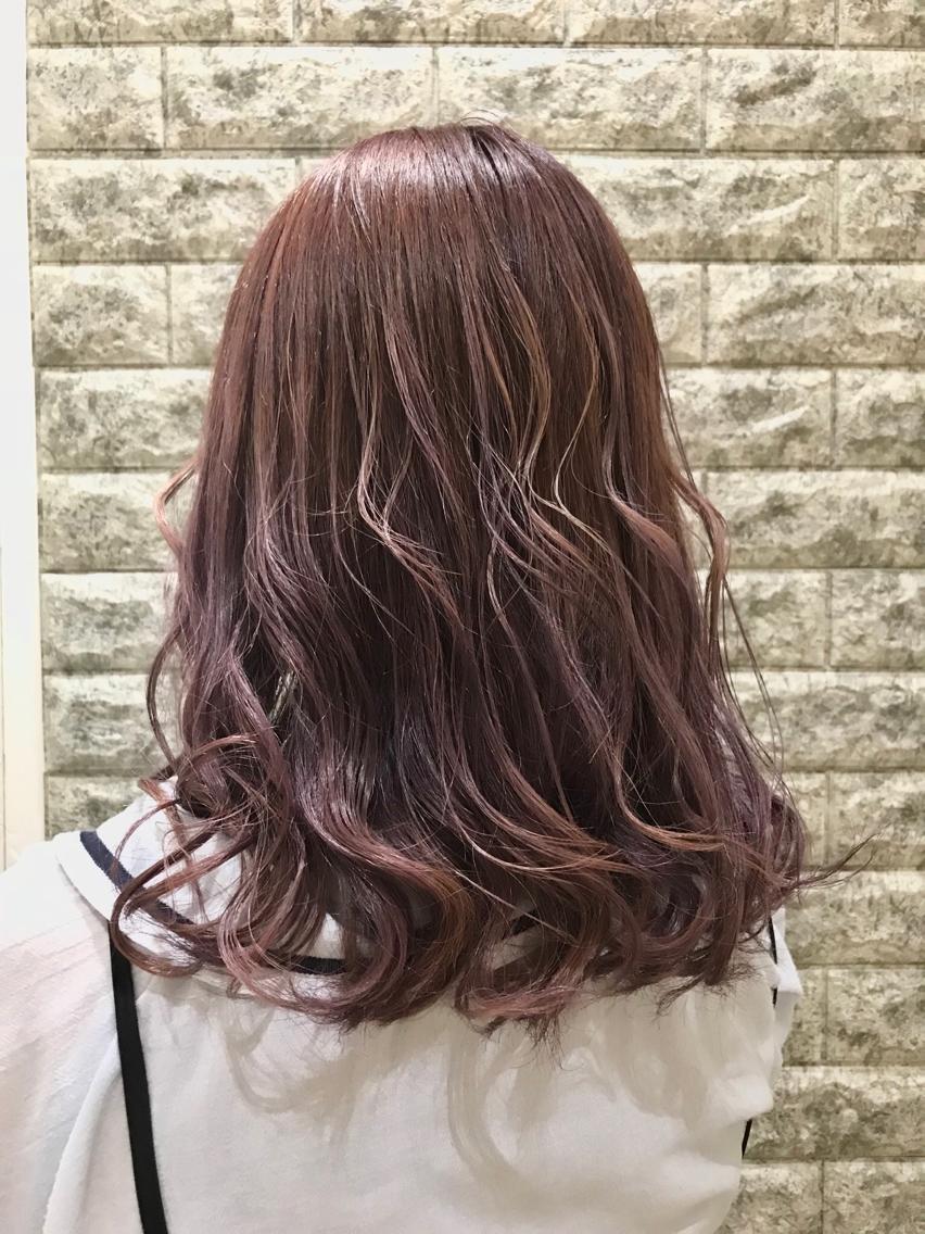 #ミディアム #カラー ブリーチ2回のピンクラベンダーです💙 色落ちも最高にきれいなカラーです