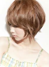 カラー ショート パーマ ミディアム 綺麗な後頭部のショートスタイル