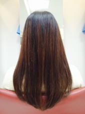 前上りのワンレンスタイル。 美容室PAPEPO所属・西川萌美のスタイル