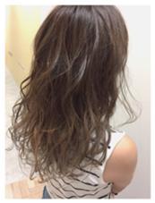 グラデーションカラー SPICE   HAIR AVEDA所属・宮本聖希のスタイル