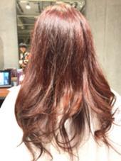 毛先にかけて透明感のあるレッドバイオレットです! HAIR&MAKE EARTH二俣川所属・平賀凌のスタイル