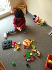 キッズスペースあります。  ☆おもちゃ ★絵本 ☆DVD など…  沢山ご用意しておりますので、 お子様も飽きずに遊べます(*^^*) ゆったりとエステを受けて下さいね。 さくらんぼ鍼灸整骨院所属・D.Norikoのスタイル