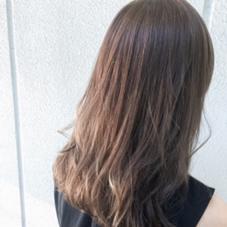 全体に中間から細かくいれたハイライトが透け感と柔らかさを出してくれます! 大人かっこいいカラーです!! Hair Make MUSE所属・中山天地のスタイル