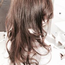 人気カラーのアッシュブラウンで優しい印象に! 光に当たると透けるような透明感でオシャレな髪を楽しみましょう!(^-^) 代官山所属・nobuhitohatayamaのスタイル