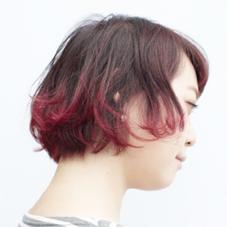 ボブ×グラデーションカラー  毛先に向けてビビットなレッドで印象的に studio menos所属・根岸和也のスタイル
