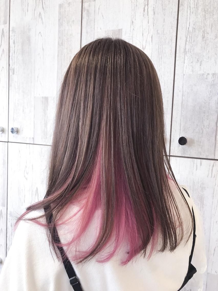 #セミロング #カラー 【ご覧いただきありがとうございます☆こちらのスタイルを気に入っていただけましたら、ブックマークしてご来店時にお見せください!】ダメージの少ないものでもアルカリ剤なので髪の毛が良いとされる、弱酸性のカラーでダメージを最小限に仕上げています!