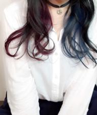 インナーグレージュ+コバルトブルー&チェリーピンク  ハイトーンインナーカラー+トリートメント beyond所属・伊藤卓のスタイル