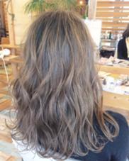 プラチナグレージュ Hair garden Rold所属・吉田朋央のスタイル