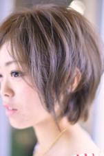 パールシルバージュ☆自然光で綺麗な色味をセレクト☆カットで質感を追求したヘアスタイルになります♪ [完全予約制フリーヘアデザイナー]所属・yoshiki☆のスタイル