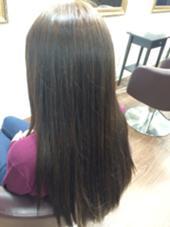 黒髪にメッシュのはいっていた髪を全体をアッシュにカラーチェンジ(^^) トリートメントもしてツヤツヤです。 Re:cia所属・櫛引芽衣のスタイル