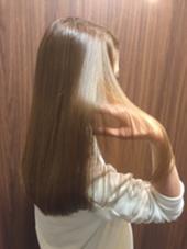 ローグラデーションベース  ツヤサラストレート、アイロン仕上げ Hair Resort Lull [ヘアーリゾートラル]所属・田中魁人のスタイル