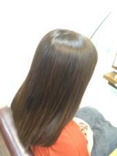 暗髪から明るいブラウンへ。日本人にはやはりブラウンが一番映えます! T.C.SPACE 元住吉店所属・宍戸謙太のスタイル