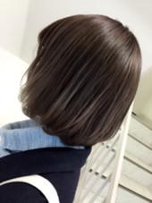 グラデーションで全体的にグレーカラーに仕上げました♡毛先が透明感がでて綺麗な色です♡ ナチュラルコントロール所属・遠藤早美のスタイル