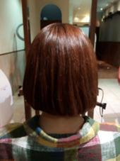 もともとはすごくダメージ毛でしたが、トリートメントをしてまとまり感のある髪型になりました!ショートヘアは毛先などがパサつきやすいので、トリートメントはオススメです☆ 小島愛理彩のスタイル