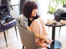 インナーカラーバイオレット×ローズ 西洋髪結OORE所属・小田浩司のスタイル