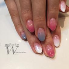 カラーグラデションにホロを散らして秋っぽいカラーリングに( ^ω^ ) nail salon W bycaracore所属・豫風翔子のフォト