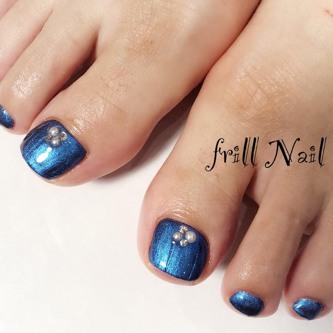 ネイル *お客様nail* メタリックブルーがかっこよく輝きを放ちます