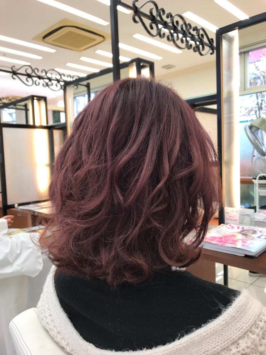 #ミディアム #カラー ブリーチ毛にベリーピンクカラー💇✨