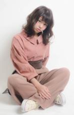 ココアブラウンカラーに、動きのあるカール◎ ピンクベージュにワントーンコーデに❁ micotto所属・中嶋葵のスタイル